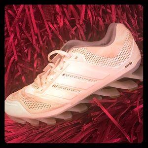 💙 ADIDAS 💙 Springblade Sneakers 💙